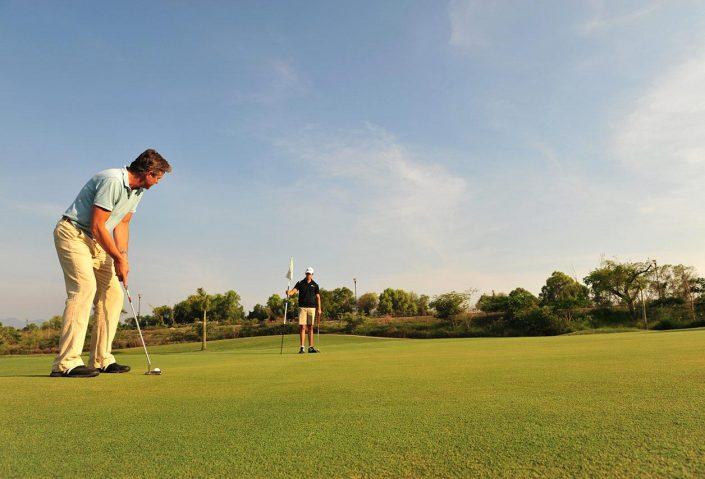 Putting on Jack Nicklaus Vidanta Golf Course in Nuevo Vallarta Riviera Nayarit MX